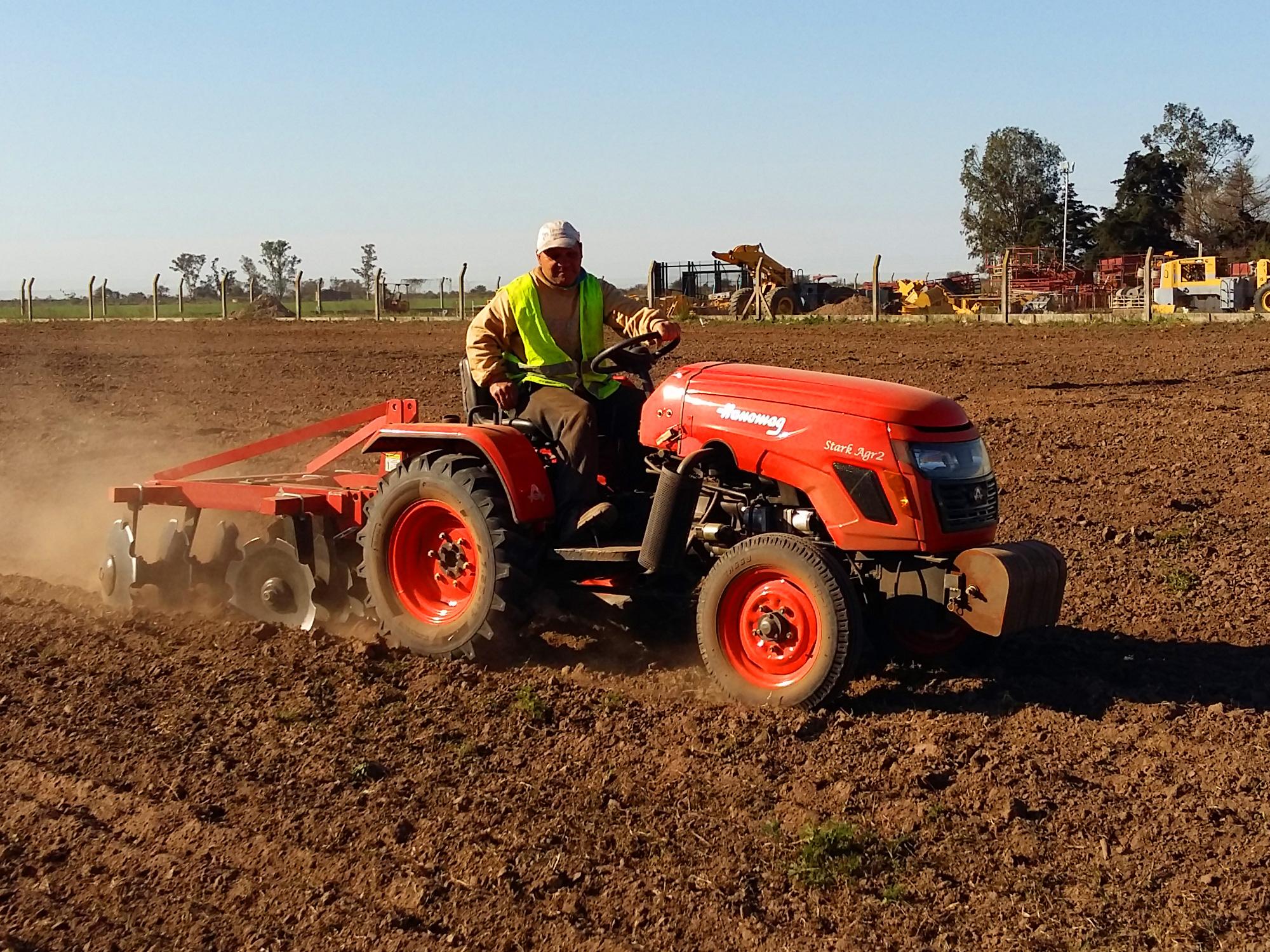 755e9f9fa3939 Hanomag Argentina - Tractor Hanomag Agr2